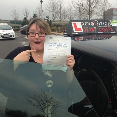Image of Fiona Burt with pass certificate - Revolution Driving School